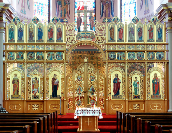 The iconostas in Sts. Volodymyr and Olha Ukrainian Catholic Cathedral in Winnipeg, MB. Photo credit: Sterling Demchinsky © (see www.Ukrainianchurchesofcanada.ca  for other images by Demchinsky).